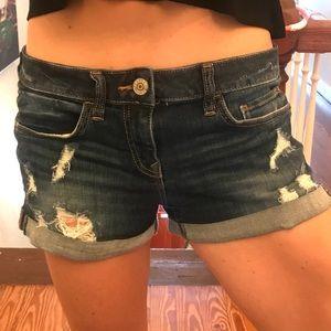Express distressed jean shorts sz 4